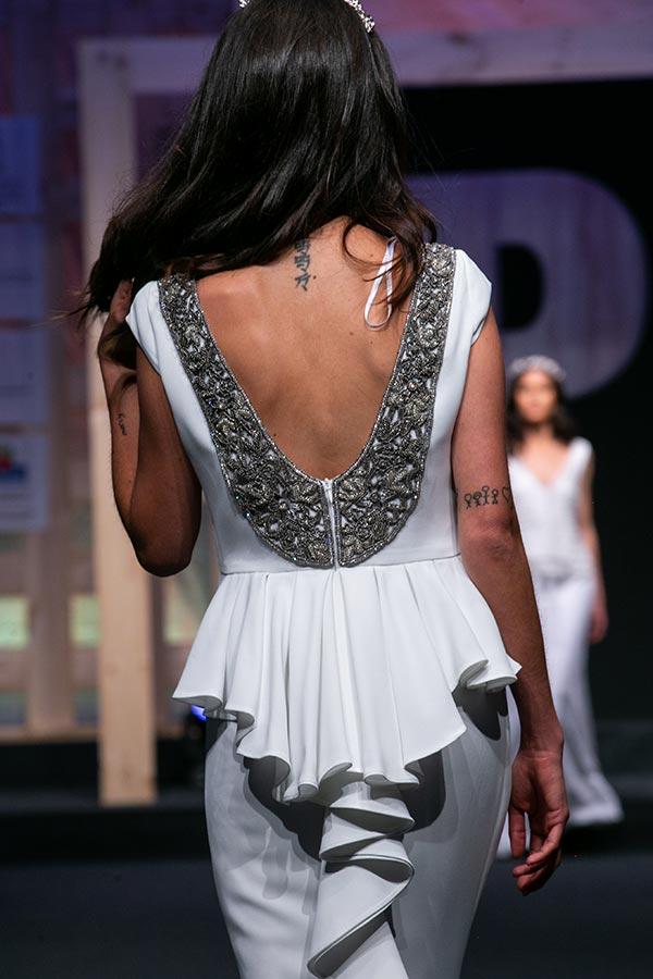 Vestido de novia con polison